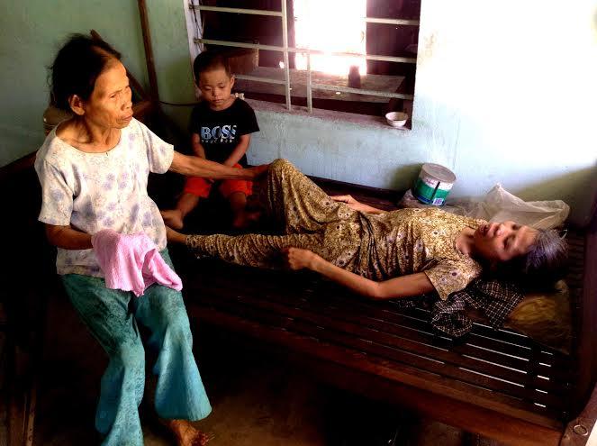 Chị Thu được bà Dần chăm sóc gần 50 năm nay.