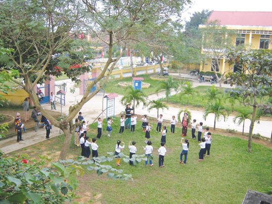 Những năm qua, sự nghiệp GD-ĐT của tỉnh có bước phát triển nhanh chóng, trường lớp khang trang, đáp ứng nhu cầu học tập. Ảnh: X.HIỀN