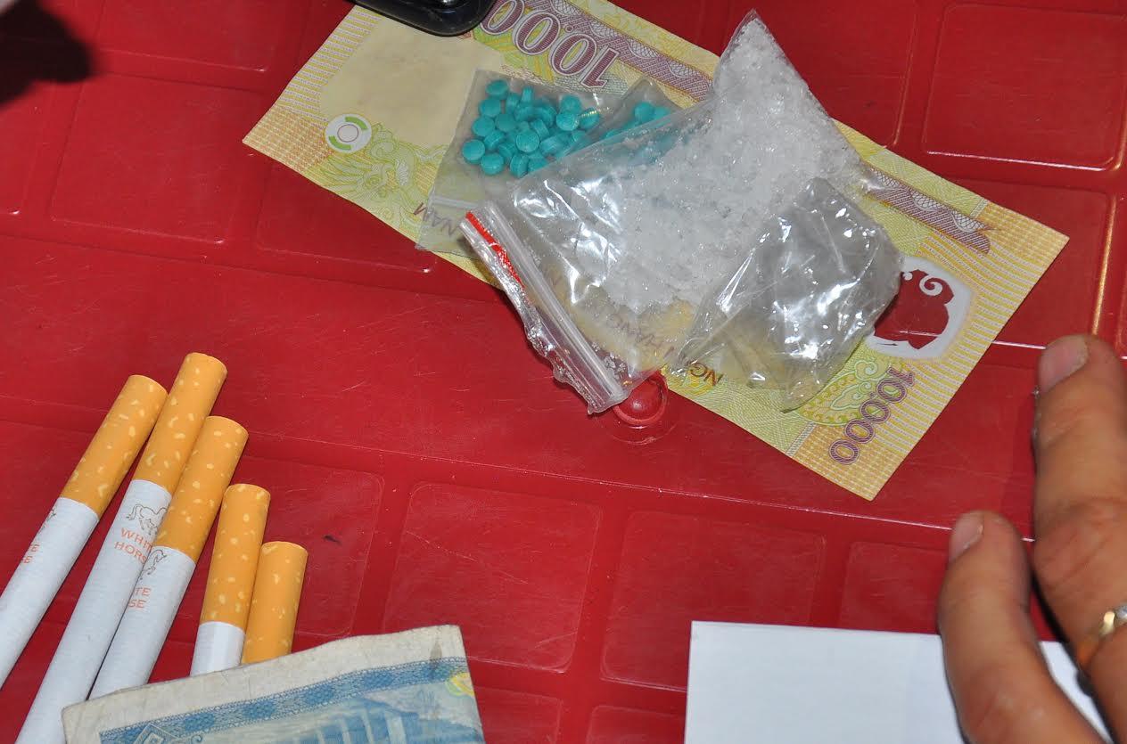 63 viên thuốc lắc và 5 gam ma túy đá có giá bán gần 60 triệu đồng
