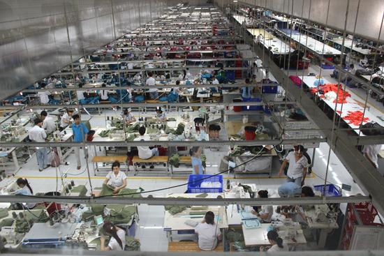 Một số sản phẩm công nghiệp chủ yếu của tỉnh đã xác lập được vị thế trên thị trường. ảnh: D.L