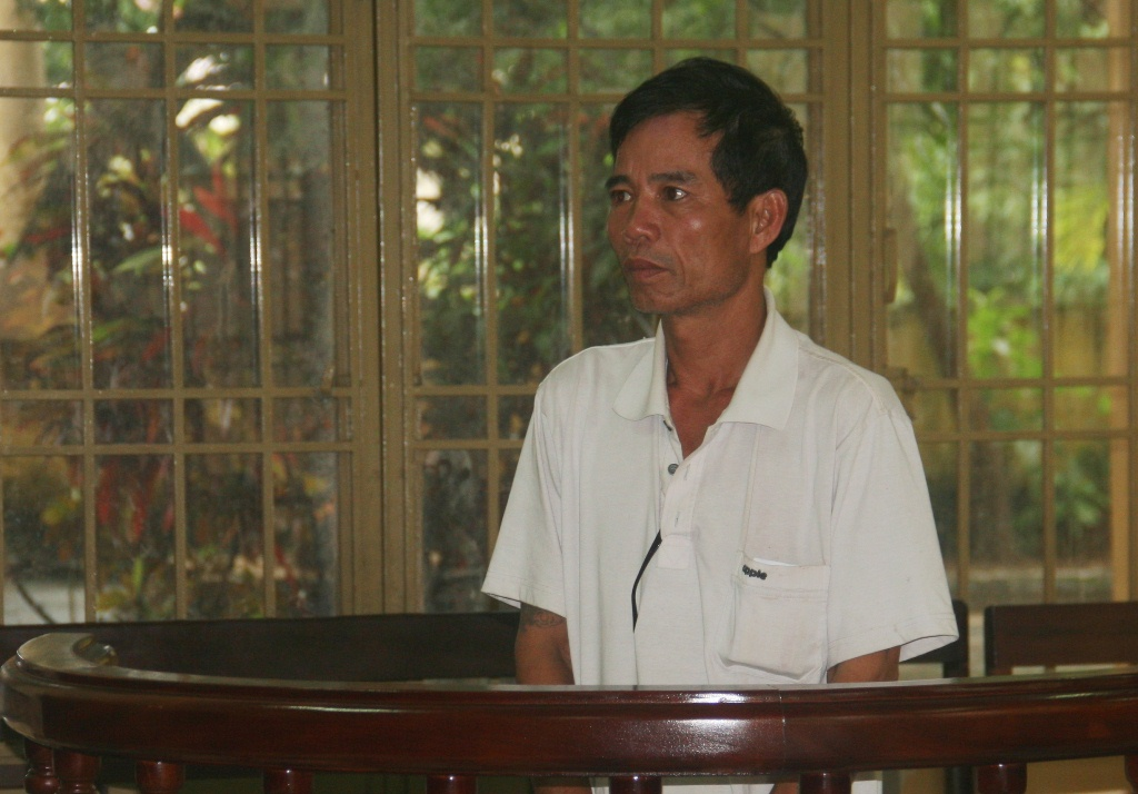 Đối tượng Trần Quang Vĩnh tại tòa,