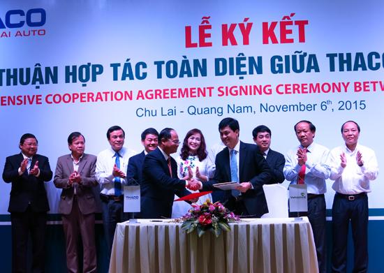 Lễ ký kết hợp đồng tín dụng giữa Vietcombank và Thaco. Ảnh: T.D