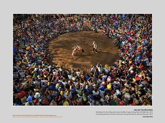 Tác phẩm Hội vật truyền thống, phản  ảnh nét sinh hoạt văn hóa tiêu biểu của người dân Việt