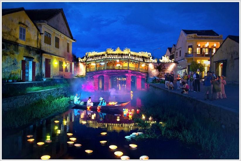 """Le Trong Khang's """"Lantern Night Festival""""."""