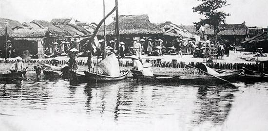 Bóng dáng chợ xưa Hội An đầu thế kỷ XX. Ảnh tư liệu