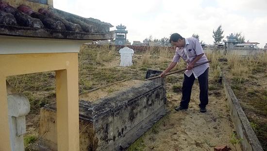 Phần mộ cụ Lê Tấn Toán.