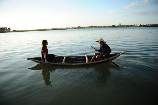 Ngắm cảnh làng trên sông Thu Bồn: Ảnh Minh Hải