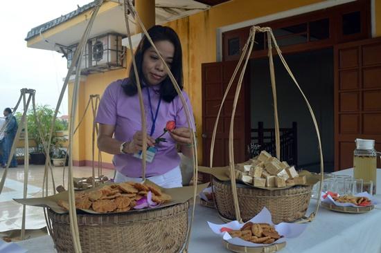 Sản phẩm bánh được làm từ hạt ngô đồng