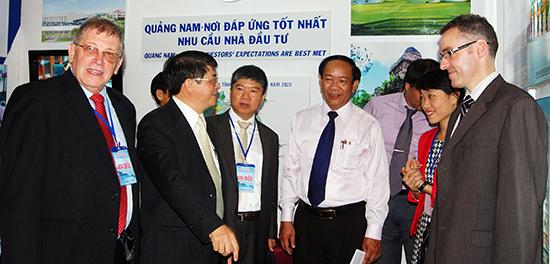 """Giai đoạn mới, Quảng Nam quyết tâm thực hiện hiệu quả cơ chế """"một cửa"""", """"một cửa liên thông"""" theo hướng văn minh, hiện đại, lấy người dân, tổ chức, doanh nghiệp làm trung tâm.  Ảnh: T.DŨNG"""