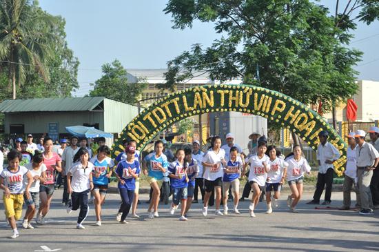 Đại hội TD-TT xã, phường, thị trấn là dịp để người dân khắp nơi tham gia tranh tài. Ảnh: T.VY