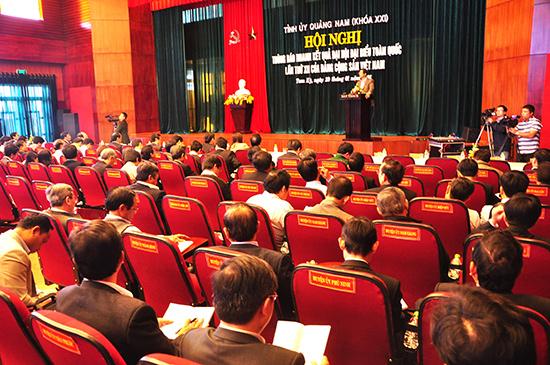 Tỉnh ủy tổ chức hội nghị thông báo nhanh kết quả Đại hội XII của Đảng đến đội ngũ cán bộ chủ chốt của tỉnh. Ảnh: NG.ĐOAN