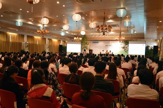 Đây là lần đầu tiên Báo Thanh Niên tổ chức chương trình trao học bổng cho học sinh sinh viên nghèo tại Quảng Nam