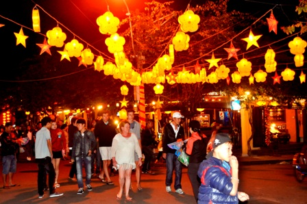 Tourists in Hoi An after Tet holiday 2016 Hoi An is known as the place of lanterns with a variety of sizes, designs, and colors - a glistening legend world.