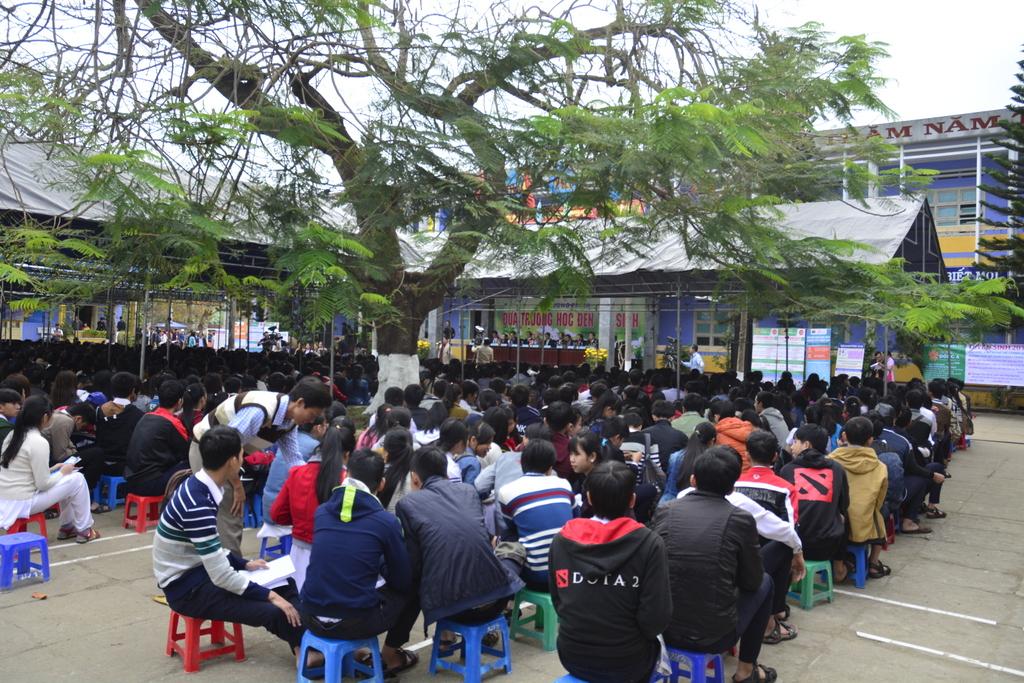 Chương trình thu hút hơn 1.500 học sinh THPT. Ảnh: XUÂN THỌ