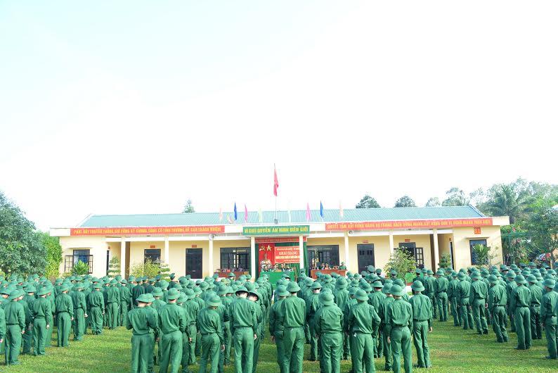 Tân binh dự lễ khai giảng huấn luyện chiến sĩ mới 2016. Ảnh: V.V