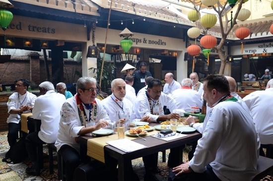 Thông qua các đầu bếp hàng đầu thế giới các món ăn Hội An sẽ được quảng bá mạnh mẽ hơn ra bên ngoài đến với du khách gần xa,