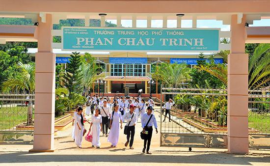 Phân tuyến tuyển sinh giúp cho Trường THPT Phan Châu Trinh (Tiên Phước) nâng cao chất lượng. Ảnh: X.P