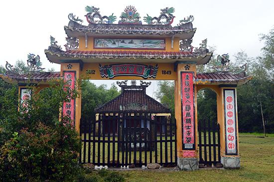 Đình Trà Sơn được xây dựng từ năm 1849.Ảnh: Q.TUẤN