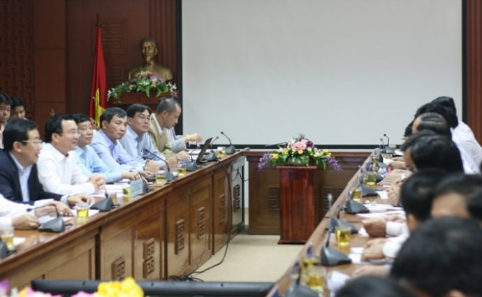 Leaders of PetroVietnam and Quang Nam province in the meeting