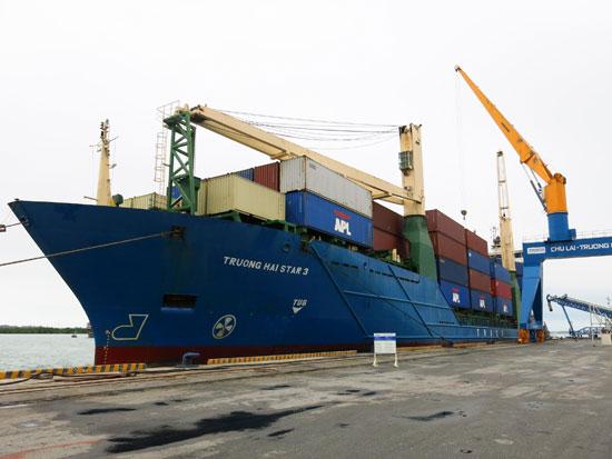 Hạ tầng cảng Tam Hiệp sẽ được tiếp tục đầu tư. Ảnh: T.D