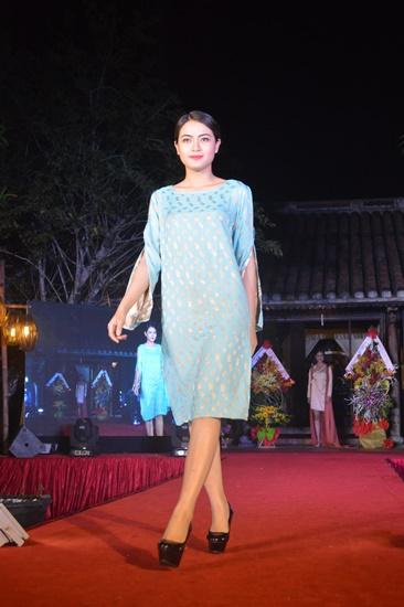 Thông qua buổi trình diễn thời trang sản phẩm tơ lụa Việt Nam sẽ góp phần quảng bá giá trị của sản phẩm tơ lụa Việt Nam ra thế giới