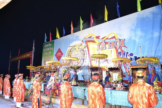 Quang cảnh khu vực trung tâm lễ hội Thanh minh.