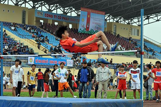 Tham gia Hội khỏe Phù Đổng tỉnh lần thứ VIII, tuổi trẻ học đường đã thực sự sống trong những ngày hội thể thao sôi động.  Ảnh: X.PHÚ