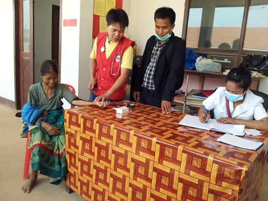 Hơn 260 người dân tỉnh Sê Kông được khám bệnh miễn phí trong đợt này