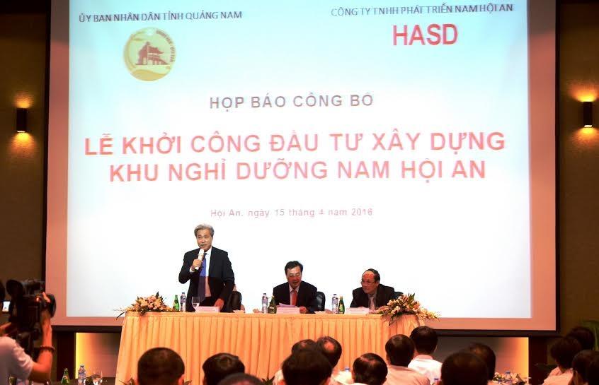 Mr Don Lam, investor's representative, speaks at the press conference