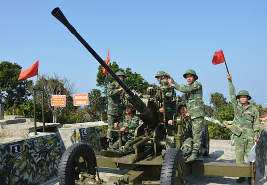 Tiểu đoàn 70 vững chắc tay súng bảo vệ tuyến tiền tiêu của tỉnh.Ảnh: T.ANH