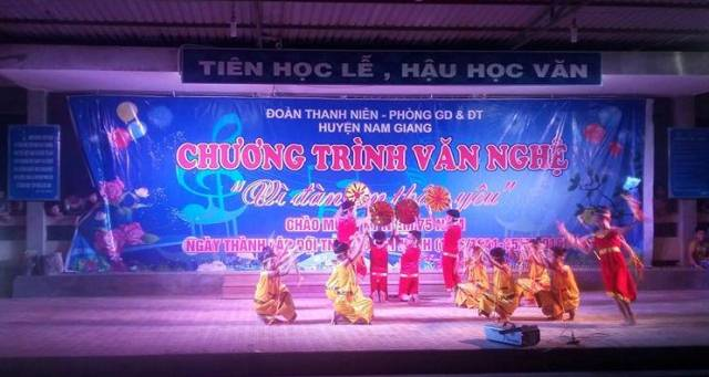 Hội đồng Đội huyện Nam Giang tổ chức văn ngjavascript:void(0)hệ gây quỹ Vì đàn em thân yêu