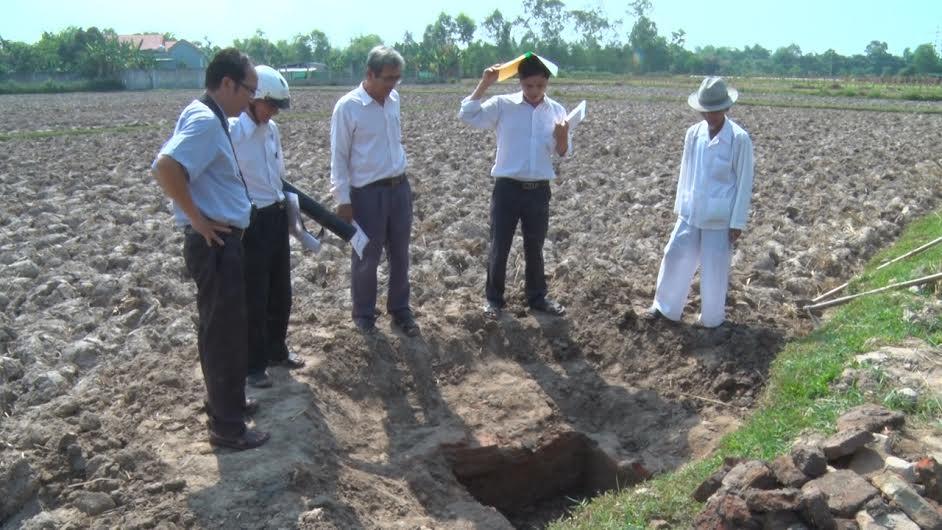 Sở VH-TT&DL khảo sát giếng Chăm tại Quế Sơn. Ảnh: P.V