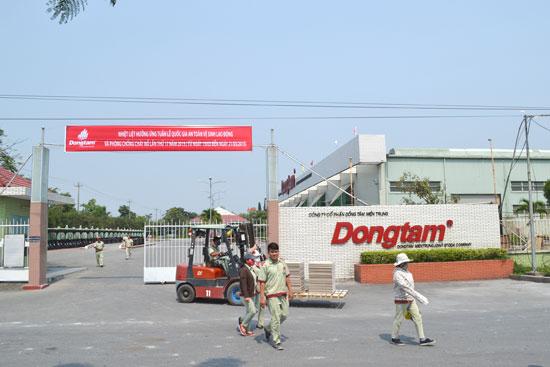 Công nhân Khu công nghiệp Điện Nam - Điện Ngọc đang thiếu chỗ ở, trường học cho con em công nhân. Ảnh: C.T
