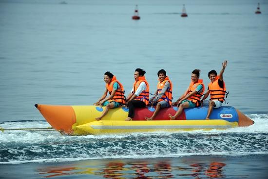 Banana boat performance.