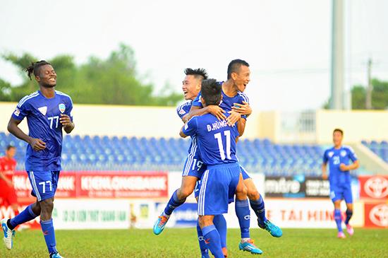 QNK Quảng Nam thi đấu thăng hoa khi gặp các đội bóng được đánh giá mạnh hơn.Ảnh: A.N