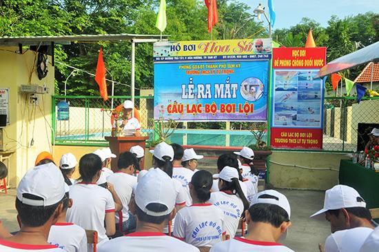 Lễ ra mắt câu lạc bộ bơi lội THCS Lý Tự Trọng