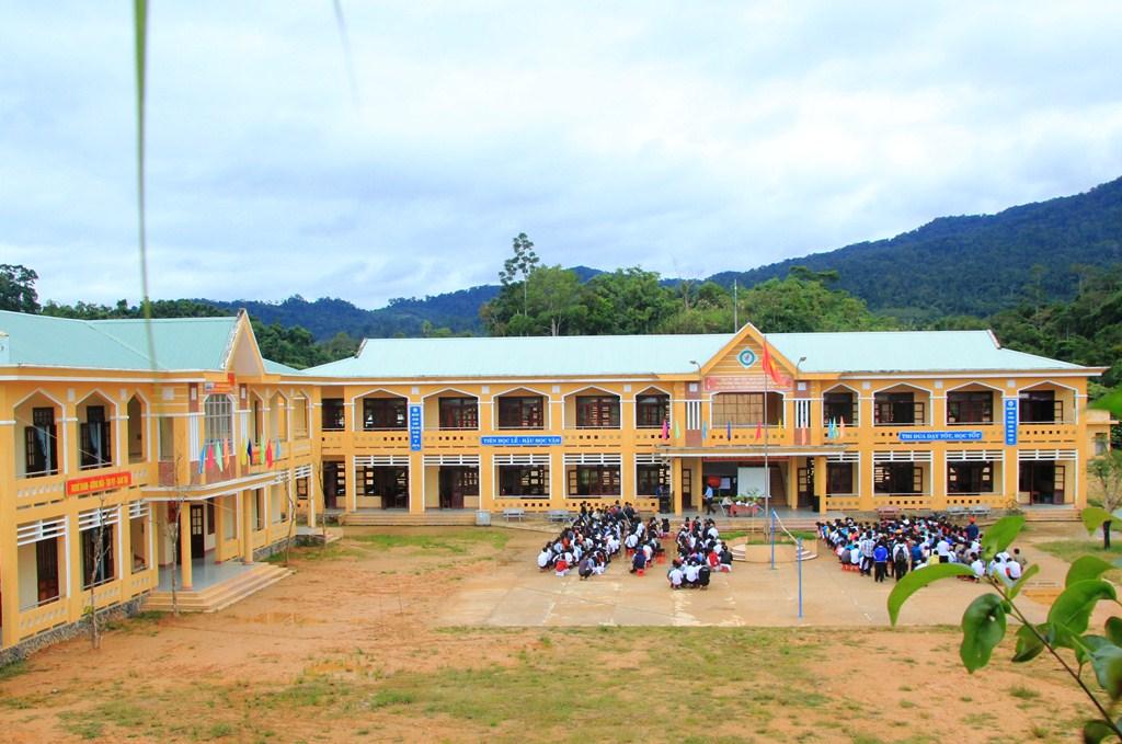 Trường THPT Nguyễn Văn Trỗi - điểm sáng giáo dục vùng biên Nam Giang. Ảnh: N.K
