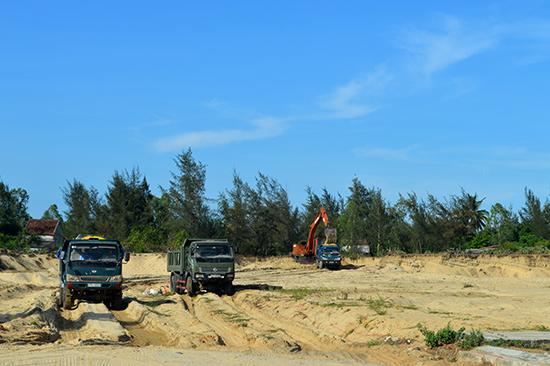 Nhiều dự án tại Điện Bàn triển khai rất chậm chạp do vướng giải phóng mặt bằng cũng như năng lực tài chính của nhà đầu tư.  Ảnh: VĨNH LỘC