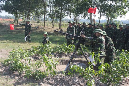 Đảng bộ Quân sự huyện Núi Thành luôn chăm lo xây dựng LLVT địa phương vững mạnh toàn diện. Ảnh: T.A