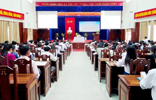 Tam Kỳ tổ chức hội nghị triển khai nghị quyết của Tỉnh ủy và Thành ủy về cải cách hành chính. Ảnh: H.BIN