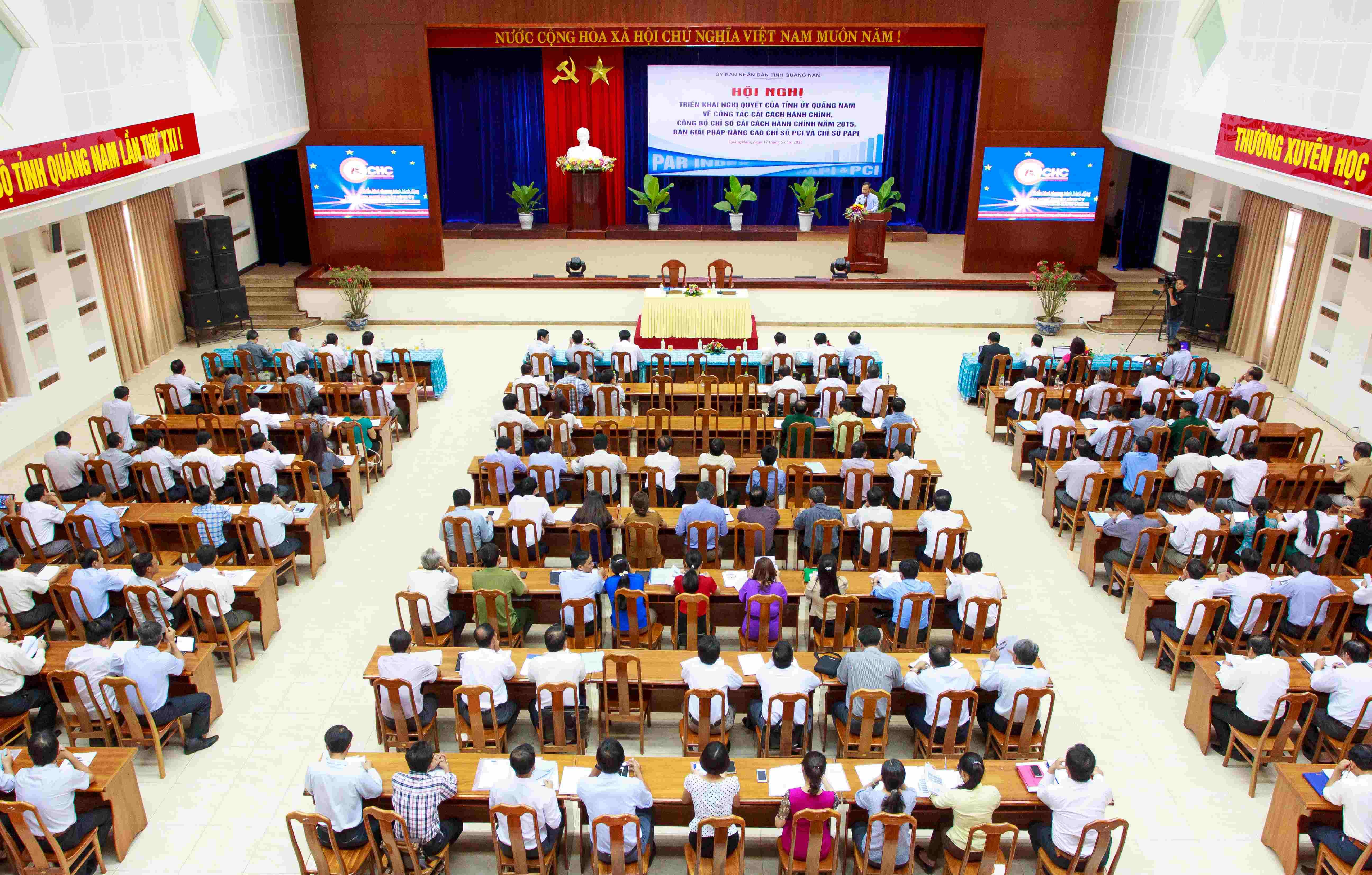 Hội nghị triển khai Nghị quyết của Tỉnh uỷ về công tác CCHC