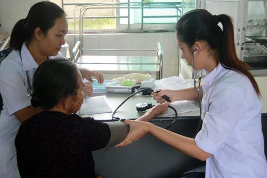 Hiện nay, nhu cầu về bác sĩ trên địa bàn tỉnh vẫn còn thiếu rất nhiều, đặc biệt là ở các huyện miền núi. Ảnh: N.DƯƠNG
