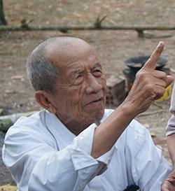 Nhà thơ Nguyễn Đức Sơn.