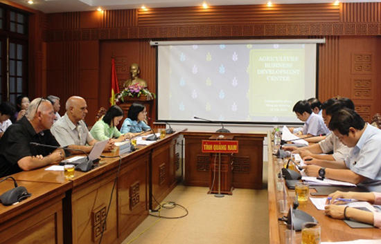Phó Chủ tịch UBND tỉnh Quảng Nam Lê Trí Thanh làm việc với đoàn chuyên gia Israel.