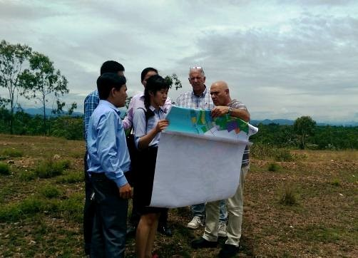 The delegation surveyed at Dai Mountain (Tam Phu village)