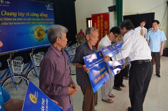 Bảo Việt Nhân thọ luôn chú trọng các hoạt động thể hiện trách nhiệm xã hội của doanh nghiệp. Ảnh: T.ANH