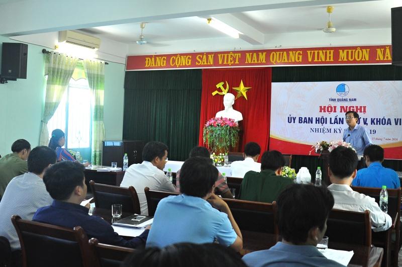 Anh Phan Văn Bình - Phó Bí thư Thường trực Tỉnh đoàn, Chủ tịch Hội LHTN Việt Nam tỉnh phát biểu. Ảnh: V.A