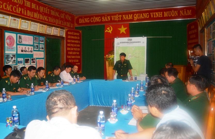 Thiếu tướng Nguyễn Văn Nam họp chỉ đạo tại buổi làm việc với BĐBP tỉnh.