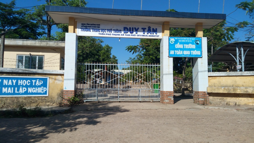 Trường THPT Duy Tân nơi ông Nhuận làm Phó hiệu trưởng.