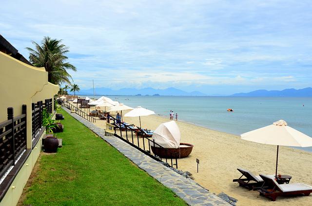 Một góc bãi biển Cửa Đại